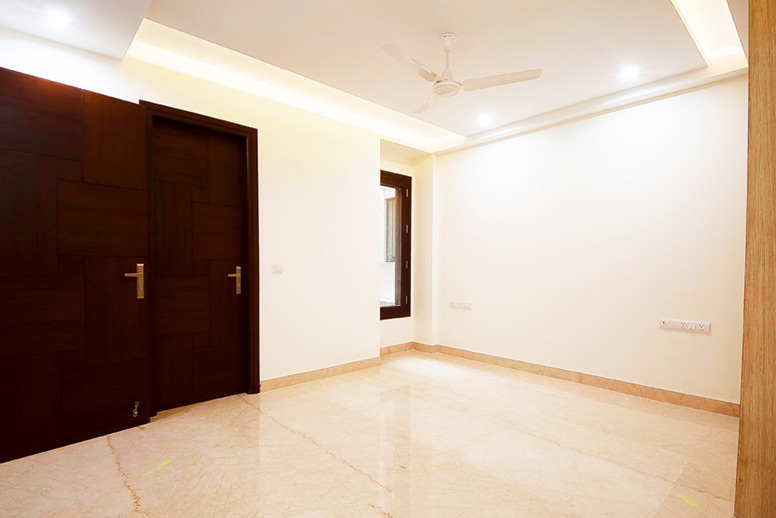 Builder-Construction-Floor-Kailash-Colony