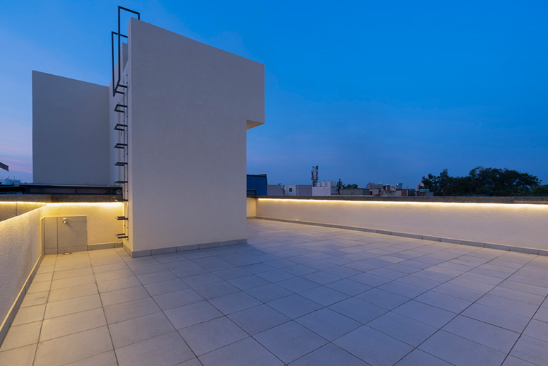 Builder-Terrace-Floor-Greater-Kailash-35