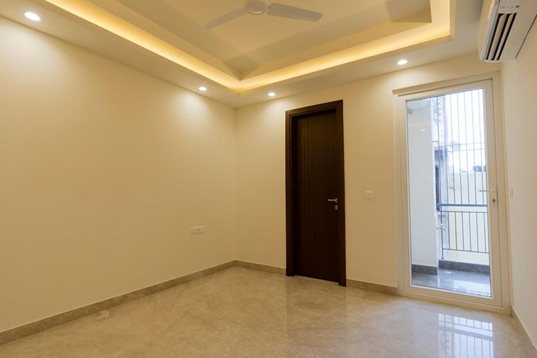 Builder Floor Bedroom GK-1
