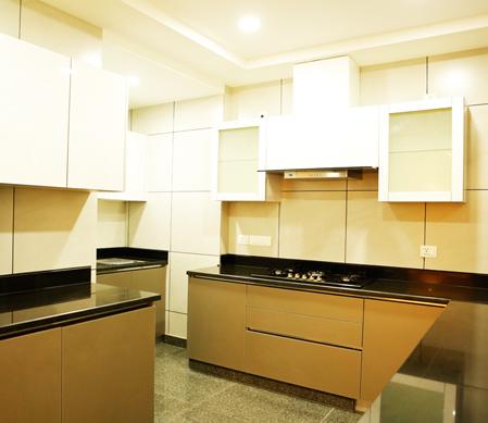 Builder-Kitchen-Sarvoday-Enclave